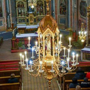 Crkva sv. Petra apostola - centralni luster