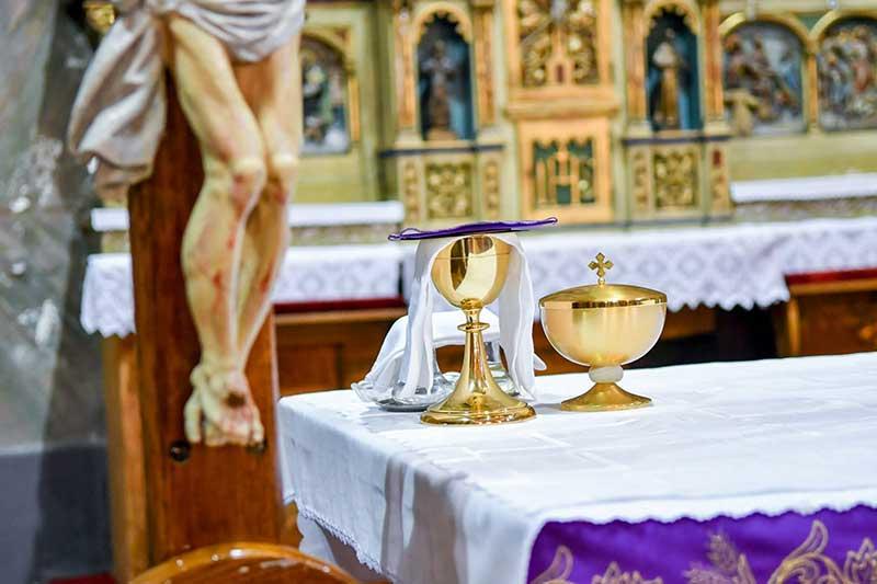 Crkva sv. Petra apostola - euharistija