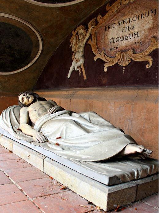 Isus u grobu